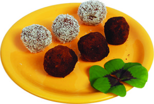 Raw energy balls with carob